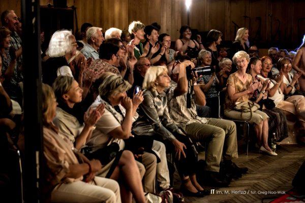 Salon VIII foto Greg Noo Wak 31 1600x1068 min